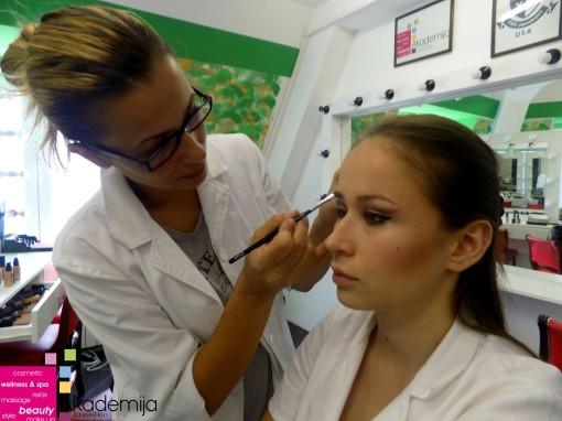 Kurs scenske šminke-šta radimo na prvom času-pogledajte