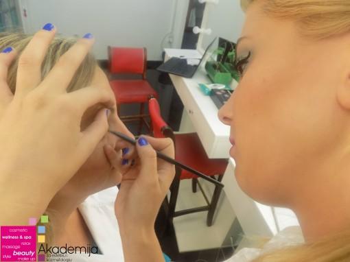 POGLEDAJTE ŠTA UČIMO NA ŠESTOM PREDAVANJU na kursu profesionalnog šminkanja
