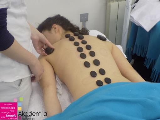 VULKANSKO KAMENJE – sa nastave na predmetu masaže, smer: ESTETIČAR-KOZMETIČAR