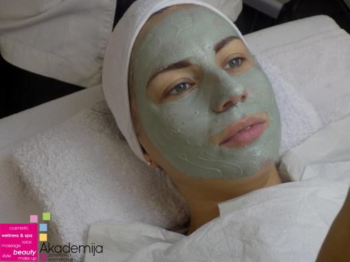 MASKA ZA MASNU KOŽU – higijenski tretman lica