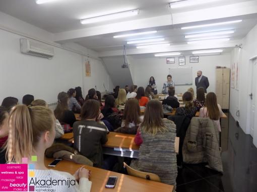 ŠMINKA I FOTOGRAFIJA – predavanje članicama MissYu kompanije