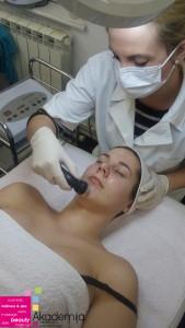 UPOTREBA ULTRAZVUKA U KOZMETICI – unošenje preparata duboko u slojeve kože