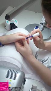 TRAJNI LAK – sa nastave na kursu za Nadogradnju noktiju sa nail art-om