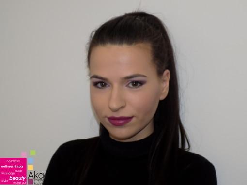 SMOKEY EYES – sa nastave na kursu Tehnike šminkanja lica, tehnika nanošenja i vežba