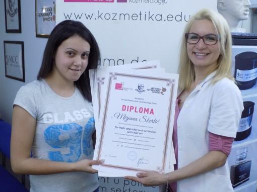Mirjana Skerlić, akademski kurs za nadogradnju noktiju sa nail art-om