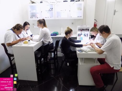 PRIPREMA NOKTA ZA IZLIVANJE – sa nastave na kursu Nadogradnje noktiju sa nail art-om
