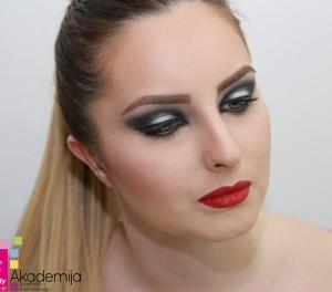 GLAMUROZNA ŠMINKA – rad studenata prve godine, smer: Makeup artist