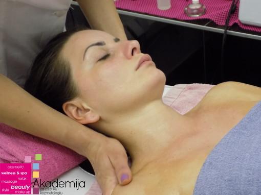 MASAŽA LICA I GLAVE – sa nastave na kursu masaže I nivo