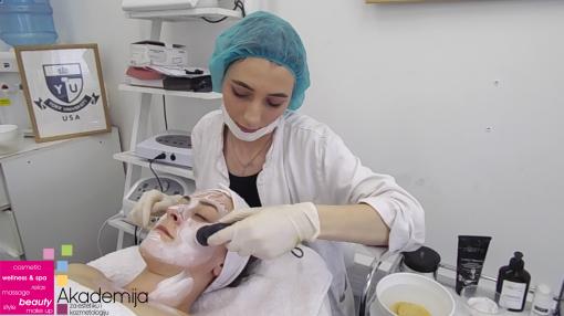 TRETMAN SA UPOTREBOM ULTRAZVUKA – studenti treće godine smera Estetičar-kozmetičar