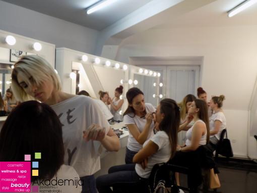 ZAVRŠNI ISPIT NA KURSU – tehnike šminkanja lica