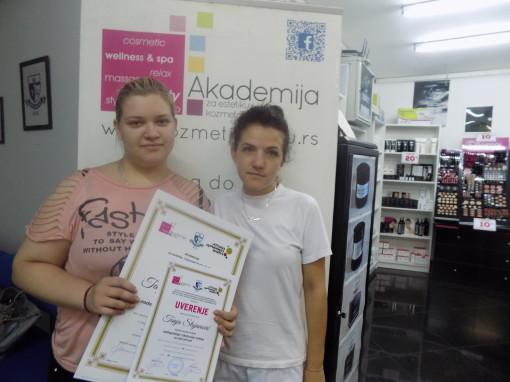 Tanja Stojanović, akademski kurs nadogradnje i ekstenzije noktiju sa nail art-om