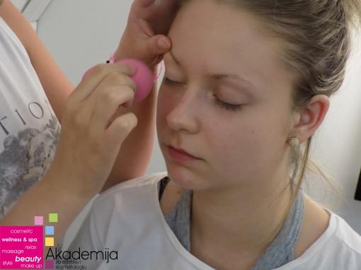 Kako prekriti pege sa lica