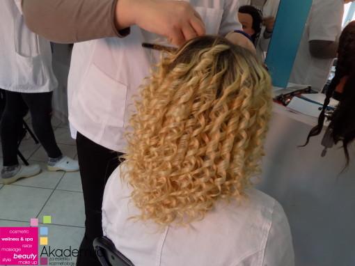 Kako ošišati kovrdžavu kosu