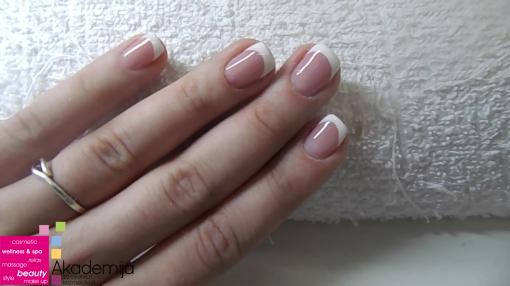 KRATKI I UREDNI NOKTI – klasična frenč gel tehnika ojačavanja noktiju