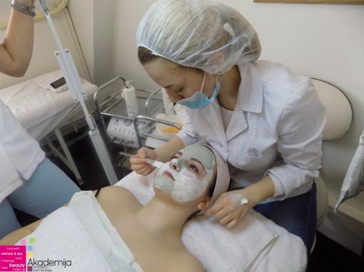 HIGIJENSKI TRETMAN NA NASTAVI – studenti smera Estetičar-kozmetičar