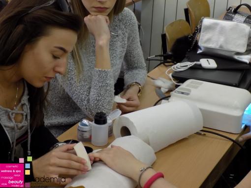 PRIPREMA NOKTA ZA GEL – sa nastave na drugoj godini smera Makeup artist