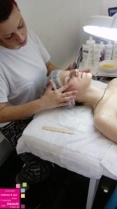MASAŽA LICA PROTIV BORA – masaža sa efektom liftinga kože lica