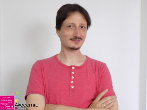 PREDSTAVLJAMO VAM: Miroslav Lakobrija – profesor na Akademiji Purity