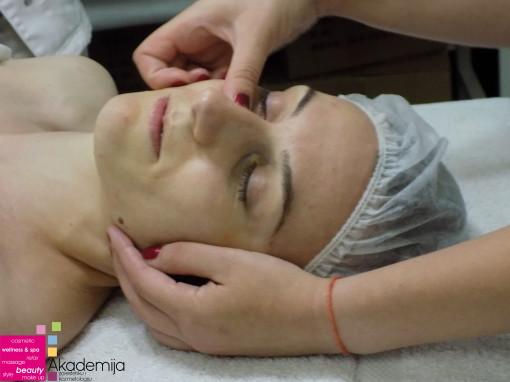 ZATEZANJE LICA LIFTING MASAŽOM – sa nastave na kursu za kozmetičare II nivo