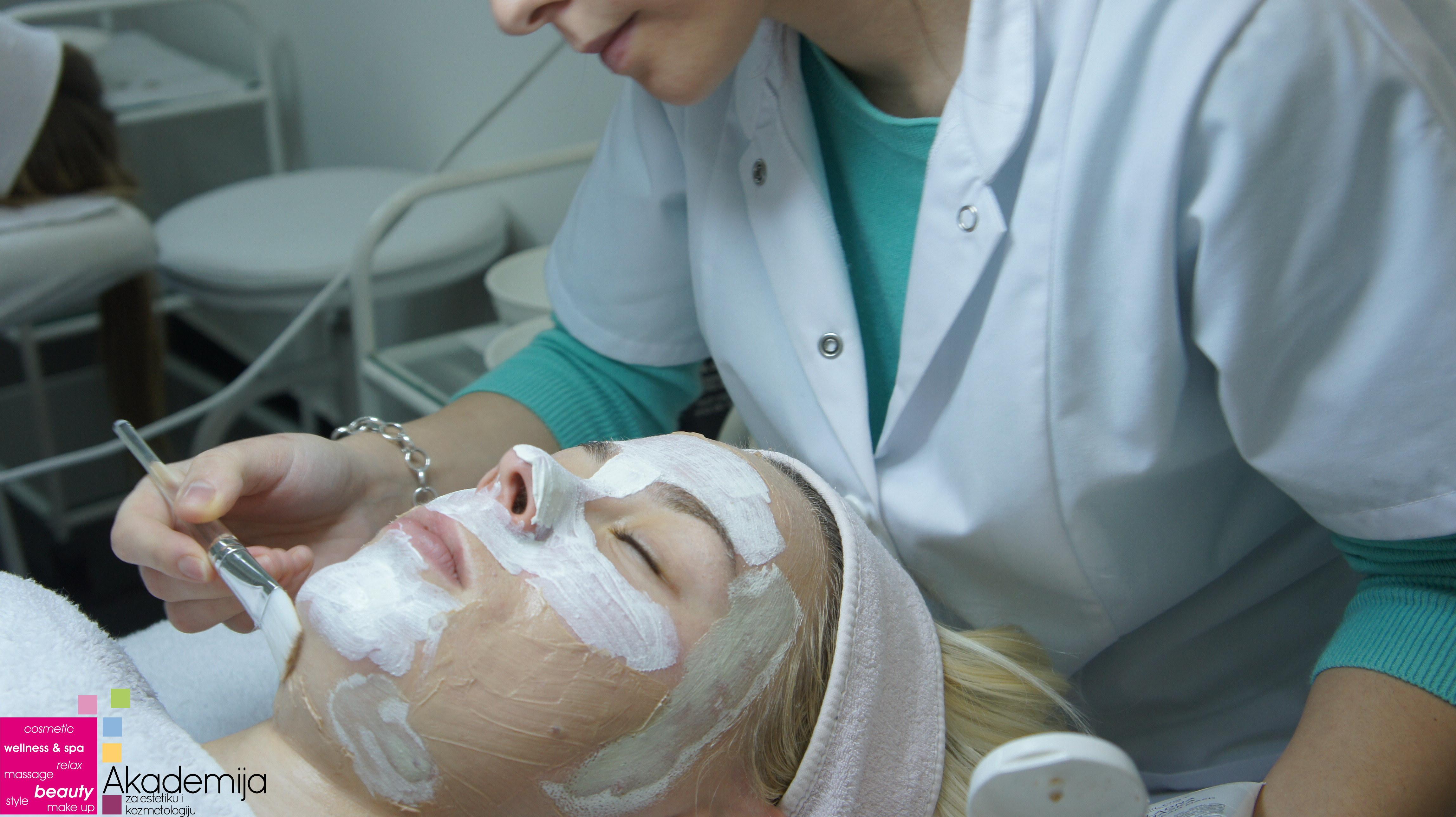 ŠTA JE NANO KOZMETIKA? – polaznici kursa za kozmetičare I nivo